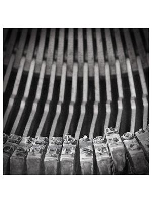 153411951-art-addiction-typewriter-center